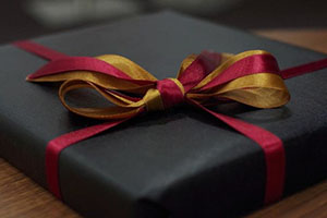 Как выбрать подарок офицеру (военному) на 23 февраля?